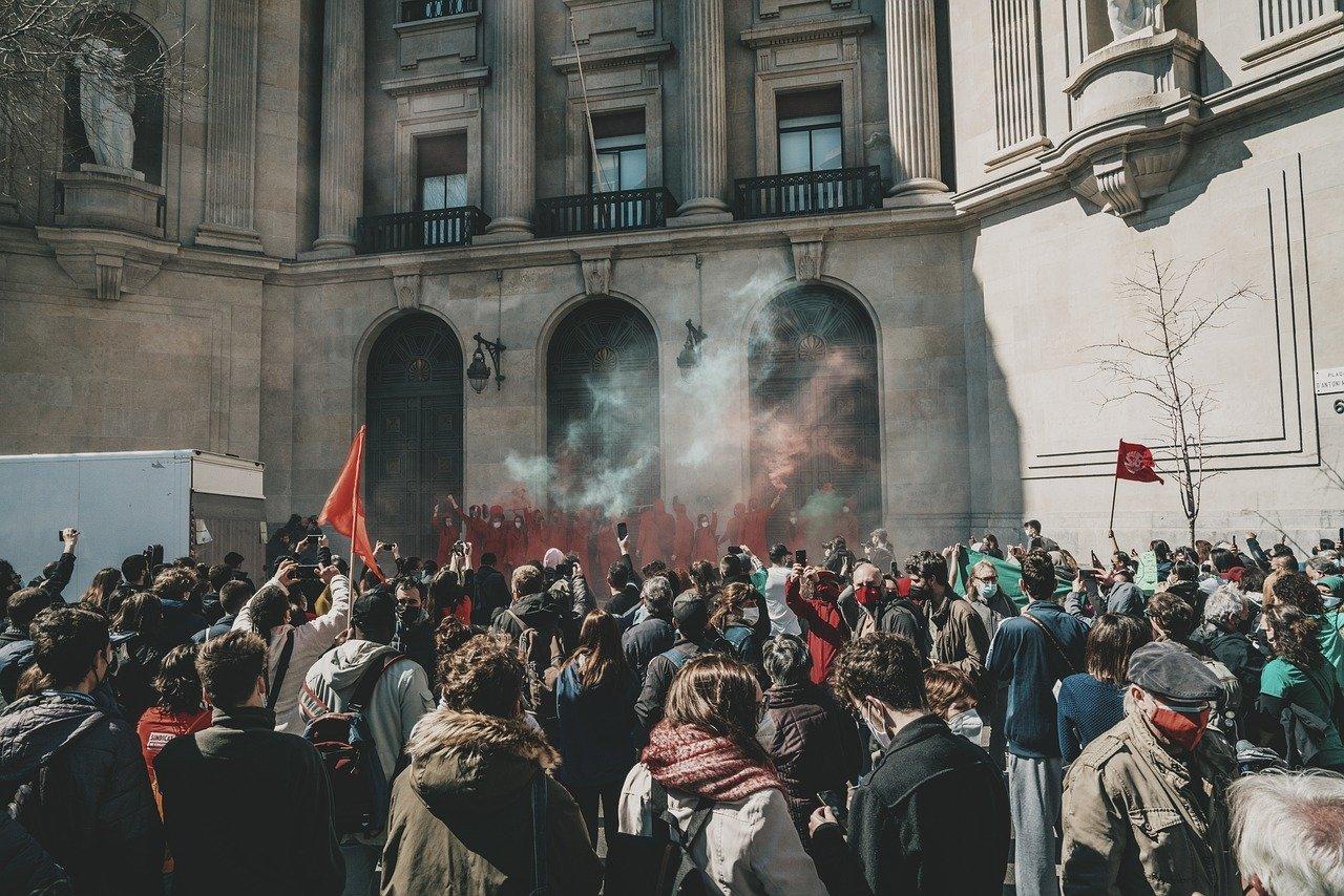 Riot, Protesta, Calle